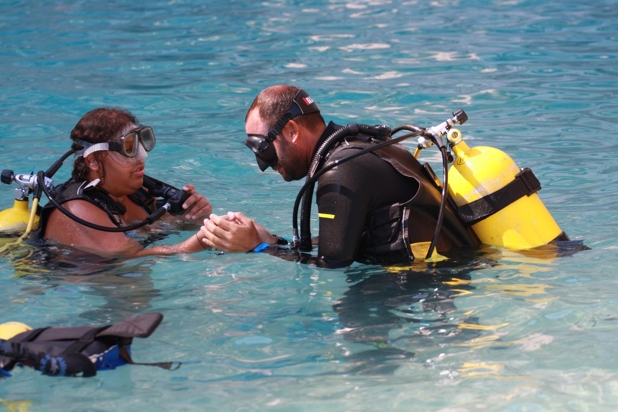 Non vedente nella sua prima esperienza subacquea